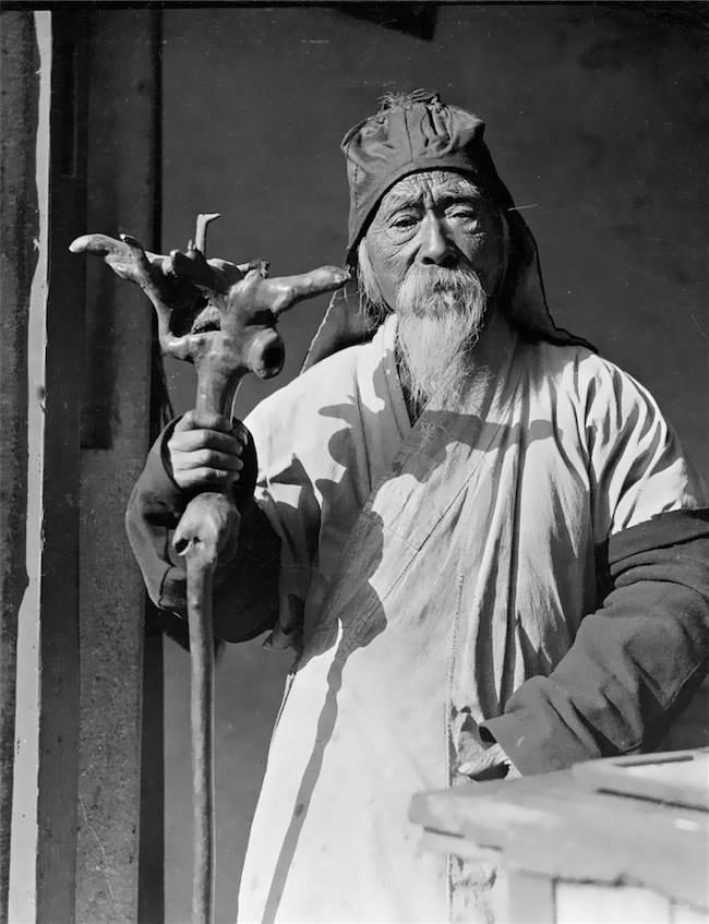 old-taoist_1900